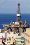 Detalle de una plataforma petrolera vieja Imágenes de archivo libres de regalías