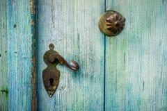 Detalle de una puerta vieja imagen de archivo libre de regalías