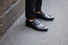 Detalle de zapatos durante semana de la moda del ` s de Milan Men Fotografía de archivo libre de regalías