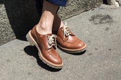 Detalle de zapatos en la semana de la moda del ` s de Milan Men Fotografía de archivo