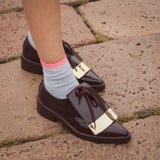 Detalle de zapatos fuera de los desfiles de moda de Cavalli que construyen para la semana 2014 de la moda de Milan Women Fotografía de archivo libre de regalías