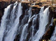 Detalle del agua que cae Victoria Falls Primer parque nacional Mosi-oa-Tunya y sitio del patrimonio mundial Zambiya zimbabwe Fotografía de archivo libre de regalías