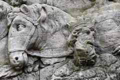 Detalle del alivio de la roca - llegada de unos de los reyes magos Foto de archivo libre de regalías