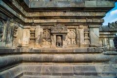 Detalle del alivio tallado en Prambanan Java, Indonesia Fotografía de archivo libre de regalías