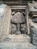 Detalle del alivio tallado en Prambanan Java, Indonesia Fotos de archivo libres de regalías