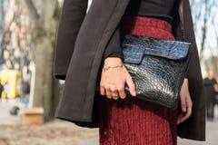 Detalle del bolso en la semana 2016 de la moda de Milan Men Imagen de archivo libre de regalías