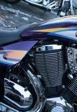 Detalle del cilindro y del motor brillantes de Chrome en el estilo Moto del crucero Fotografía de archivo