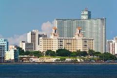 Detalle del horizonte de La Habana, Cuba con el H Fotografía de archivo