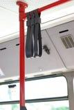 Detalle del interior del omnibus, barandillas Fotos de archivo
