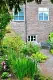 Detalle del jardín de la cabaña Foto de archivo