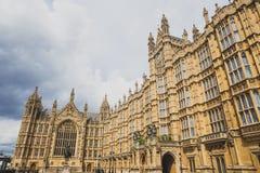 Detalle del palacio del edificio de Westminster en centavo de la ciudad de Londres Foto de archivo