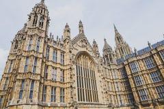 Detalle del palacio del edificio de Westminster en centavo de la ciudad de Londres Imagen de archivo libre de regalías