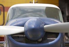 Detalle del propulsor de aeroplano ligero en un aeródromo Imagen de archivo