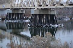 Detalle del puente del ferrocarril, día de la nieve, Yakima Delta, Richland, Washington Imagenes de archivo