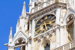 Detalle del reloj de la catedral de Zagreb fotografía de archivo