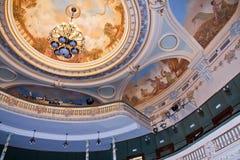 Detalle del techo del teatro imagen de archivo