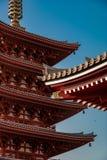 Detalle del toldo del tejado de la capilla de Asakusa - con el reflejo ligero del amanecer imágenes de archivo libres de regalías