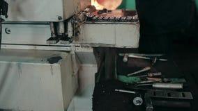 Detalle del turbocompresor, vivienda de la turbina almacen de video