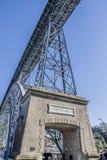 Detalle en el puente en la ciudad de Oporto Portugal fotos de archivo libres de regalías
