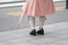 Detalle gótico de las piernas de la muchacha Foto de archivo libre de regalías