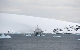 Detalle, glaciar que fluye en el océano Fotografía de archivo libre de regalías