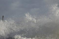 Detalle grande del chapoteo de la onda Fotos de archivo libres de regalías