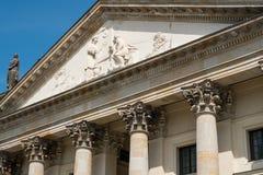 Detalle histórico hermoso de la fachada de la bóveda francesa en Gendarmen Imagen de archivo
