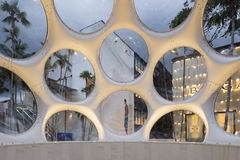Detalle interior de la bóveda de Buckminster Fuller en el Midtown Miami Fotografía de archivo libre de regalías