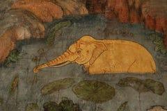 Detalle la pintura antigua en la pared en el templo de Wat Suthat Foto de archivo libre de regalías