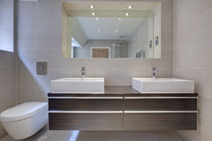 Detalle moderno elegante del bathroon Fotos de archivo libres de regalías