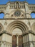 Detalle porta arqueado iglesia Imagenes de archivo