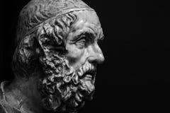 Detalle principal y de los hombros de la escultura antigua Fotografía de archivo libre de regalías