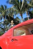 Detalle rojo 01 de la puerta de Ferrari 250 GT de los años 50 Fotografía de archivo