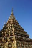 Detalle tailandés ornamental de la pagoda Fotos de archivo