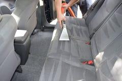 Detalle y limpieza autos profesionales de la tapicería Foto de archivo libre de regalías