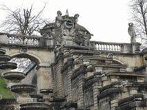 Detalles arquitectónicos del ámbito nacional del monumento de Saint Cloud la gran cascada en Francia imagen de archivo libre de regalías