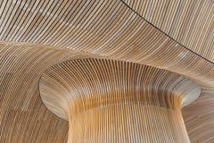 Detalles arquitectónicos del edificio de la asamblea Galés Tablones de madera Imagenes de archivo