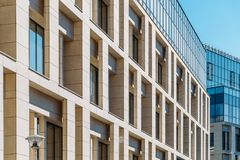 Detalles arquitectónicos del edificio de oficinas Imagen de archivo libre de regalías