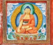 Detalles budistas de la pared de Shanti Stupa Fotografía de archivo