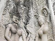 Detalles de bailar Apsara en el wat de Angkor Fotografía de archivo libre de regalías
