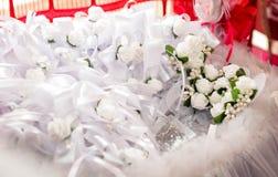 Detalles de casarse la decoración floral, para el traje Fotografía de archivo libre de regalías
