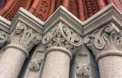 Detalles de columnas en la entrada a Williams Hall en la universidad de Vermont Imágenes de archivo libres de regalías