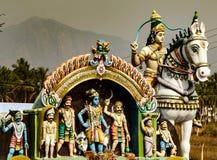 Detalles de estatuas en un pequeño templo hindú en la India Imágenes de archivo libres de regalías