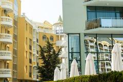 Detalles de la arquitectura del espejo en Sunny Beach, Bulgaria Imágenes de archivo libres de regalías