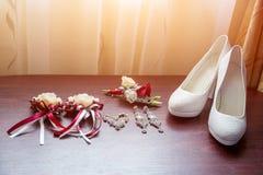 Detalles de la boda Ramo y accesorios de la novia y del novio Fotos de archivo libres de regalías