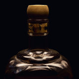 Detalles de la botella del alcohol Fotos de archivo
