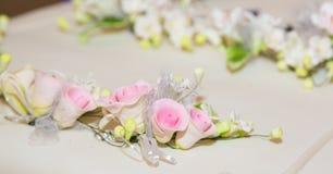 Detalles de la decoración del pastel de bodas Fotos de archivo libres de regalías