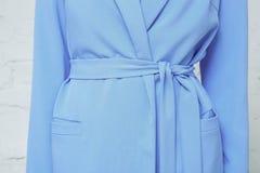 Detalles de la ropa del ` s de las mujeres Chaqueta casual de la moda de las mujeres hermosas fotos de archivo