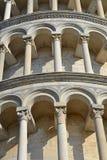 Detalles de la torre de Pisa Fotos de archivo