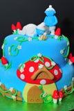 Detalles de las estatuillas de la torta de Smurfs Imágenes de archivo libres de regalías